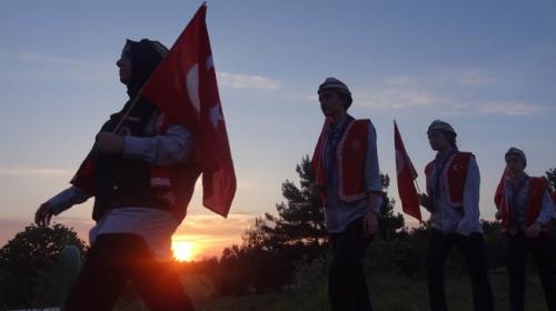Çanakkalede 10 bin Türk dedelerinin izinde yürüdü