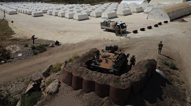 Afrinde kurulan çadır kentin güvenliği TSKya emanet