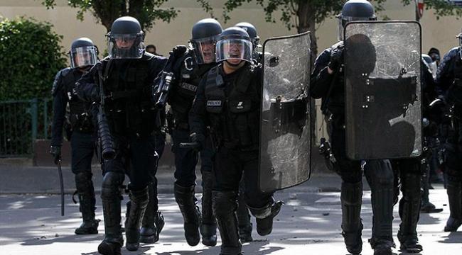 Fransada iki üniversiteye operasyon: Kampüs kapatıldı, 2 kişi gözaltında