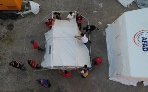 """""""Gönüllüler ordusu"""" UMKE depremzedelerin hizmetinde"""