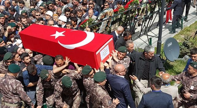Şehit polis Kubilay Karaman son yolculuğuna uğurlandı