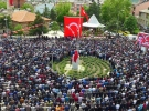 Şehit Uzman Çavuş İsmail Cesur'u binlerce insan son yolculuğuna uğurladı