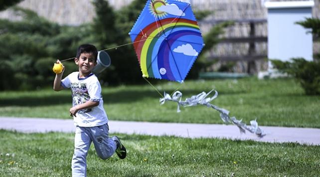 Otizmli çocuklar uçurtma şenliğinde bir araya geldi