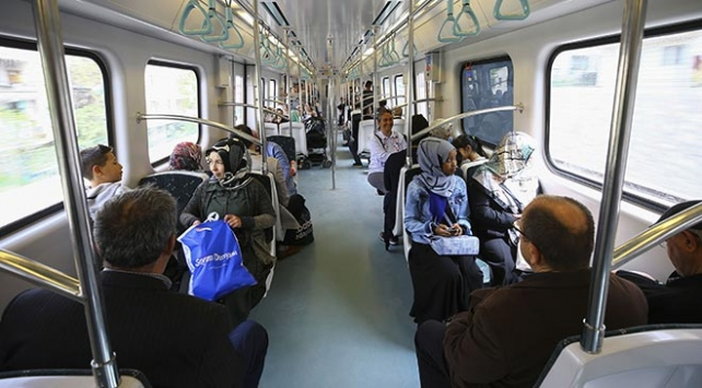 Başkentrayda yolcu sayısı 800 bine yaklaştı