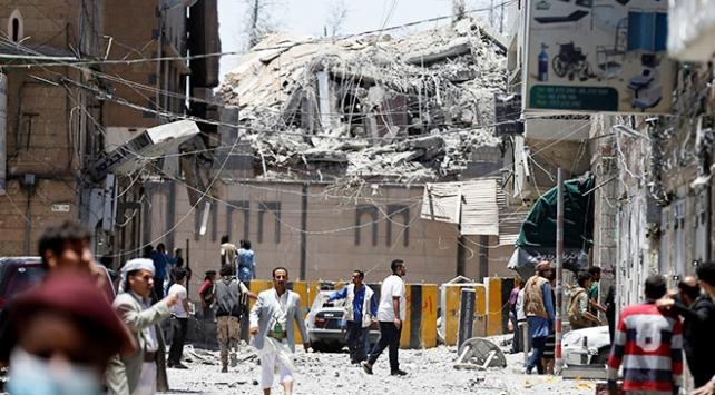 Yemendeki Cumhurbaşkanlığı Sarayına hava saldırısı