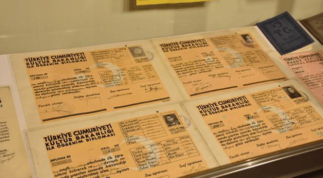 Kars Eğitim Tarihi Müzesi ziyaretçilerini geçmişte yolculuğa çıkarıyor