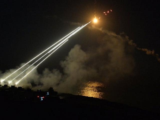 Atak ve Kobra helikopterleri, Efes-2018 Tatbikatında hünerlerini sergiledi