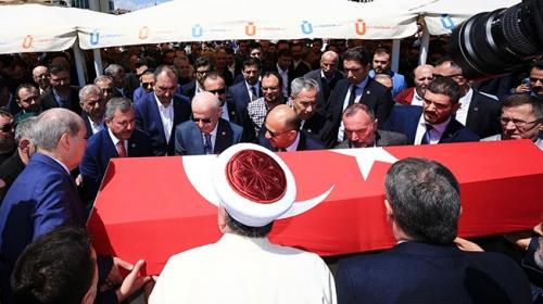 Yazar Mehmet Niyazi Özdemir, son yolculuğuna uğurlandı