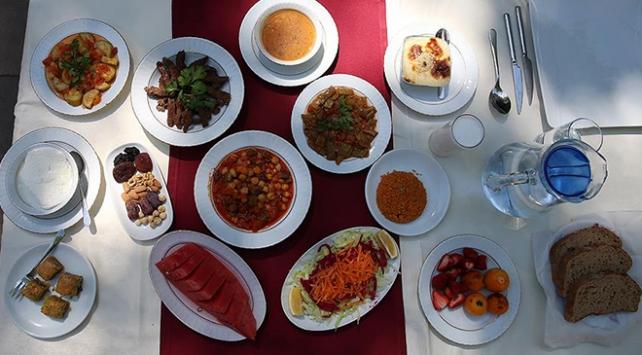 Sağlık Bakanlığından Ramazanda dengeli beslenme uyarısı