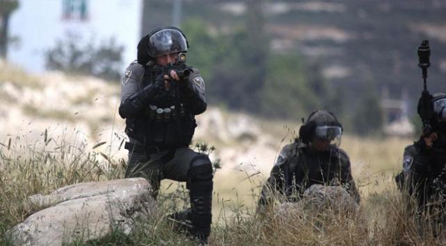 İsrail askerleri Batı Şeriada 15 Filistinliyi gözaltına aldı