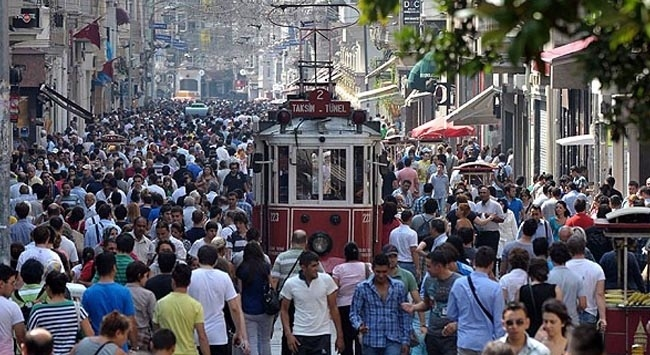 Türkiye nüfusunun 12 milyonunu gençler oluşturuyor