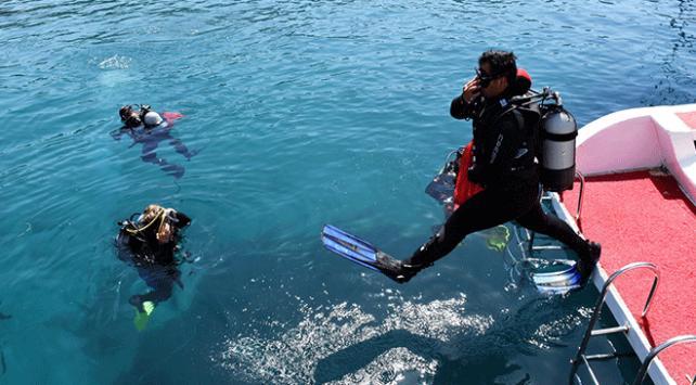 Muğlada deniz dibi temizliği yapıldı