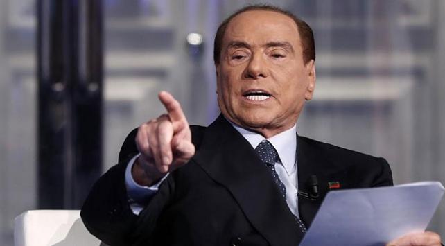 İtalyada eski Başbakan Berlusconiye rüşvet suçlaması