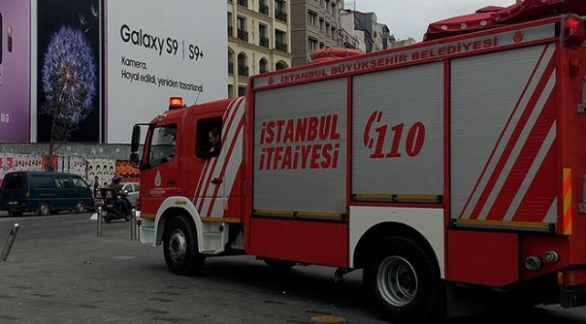 "İstanbulda itfaiye aracına ""trafiği tehlikeye sokmak""tan ceza"