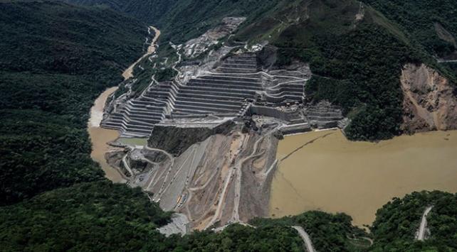 Kolombiyada baraj inşaatındaki göçükler nedeniyle 5 bin kişi tahliye edildi