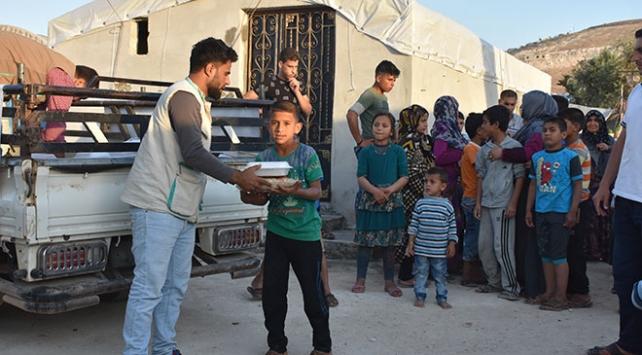 Suriyede Esed rejiminin yoğun saldırıları altında ilk iftar