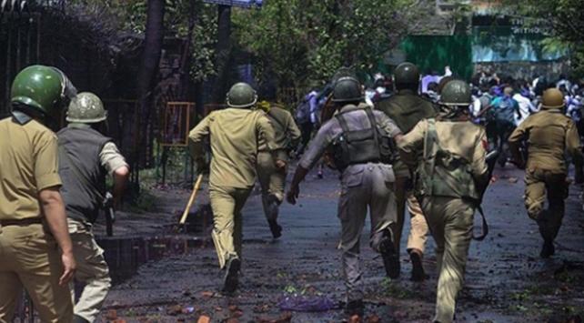 Keşmirde Pakistan ile Hindistan arasında çatışma: 7 ölü