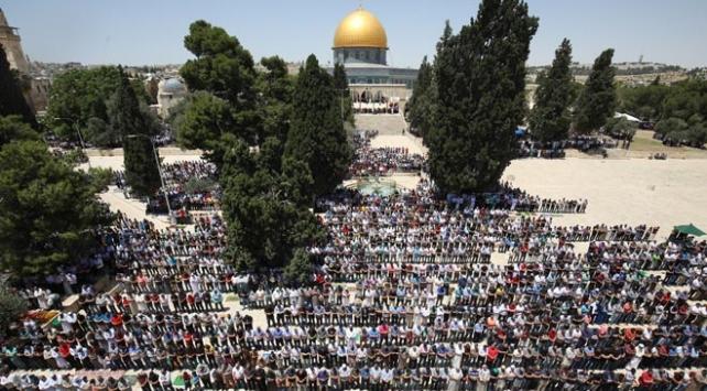 Mescid-i Aksada Ramazan ayının ilk cuma namazı kılındı