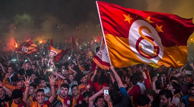 Siyasilerden Galatasaraya tebrik mesajları