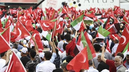 Filistine destek için on binler İstasyon Meydanındaydı