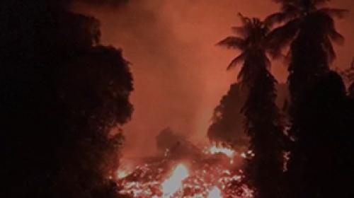 Hawaiide volkanik patlamalar metrelerce yüksekliğe ulaştı