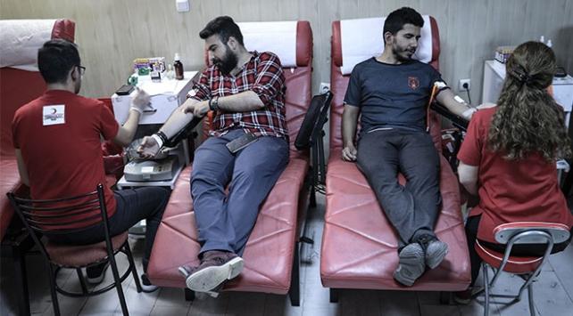 Kan bağışı noktaları Ramazan mesaisi yapıyor