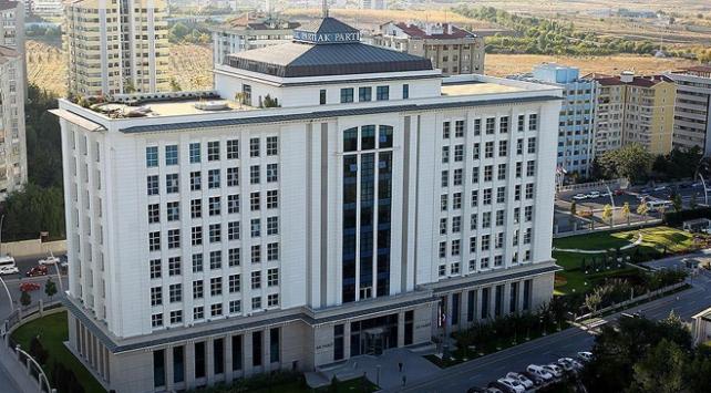 AK Parti milletvekili listesini YSKya teslim etti