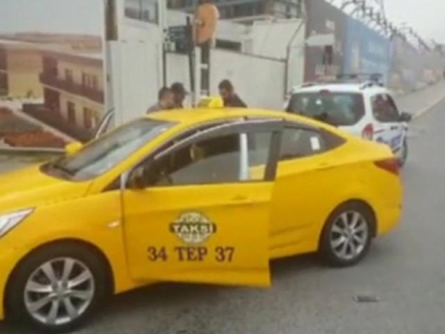 UBER sürücüsünü tehdit eden 2 taksici gözaltına alındı