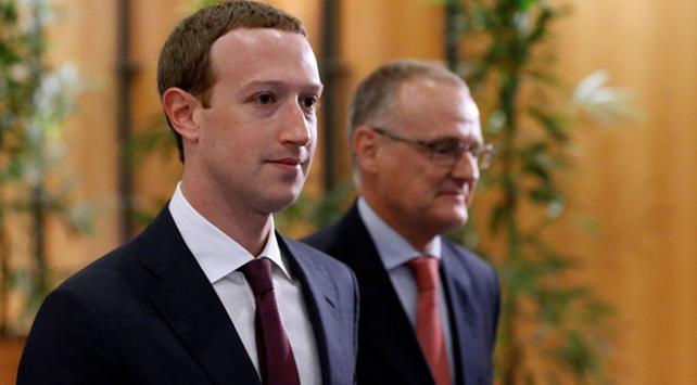 Zuckerberg özür diledi
