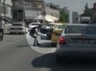 Kadın yolcusunu arabadan atan taksici yakalandı