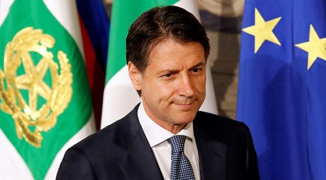 İtalyada hükümeti kurma görevi Giuseppe Conteye verildi