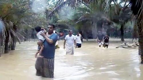 Yemendeki Sokotra Adası Mekunu Kasırgasının etkisi altında