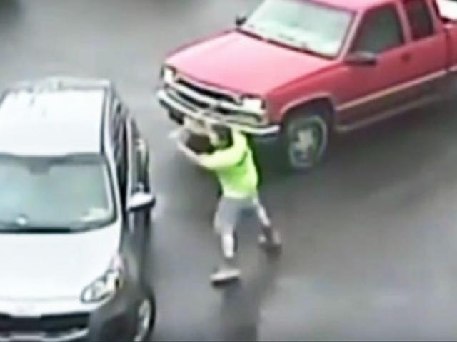 ABDde öfkeli şoför balyozla saldırdı