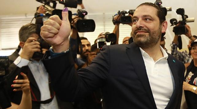 Lübnan'da Hariri başbakanlık koltuğunu koruyor