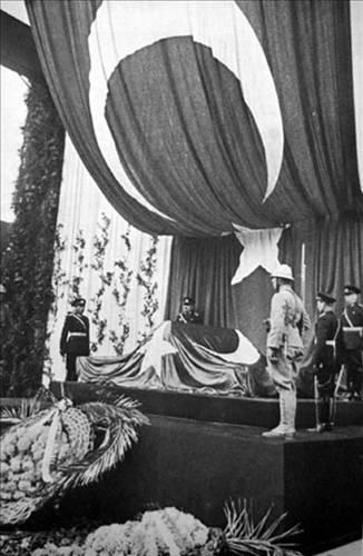 Atatürk'ün Otopsi Fotoğrafları