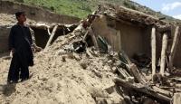Afganistan'da Deprem Sonrası Arama Çalışması