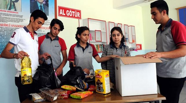 Lise öğrencilerinin kumbarasından ihtiyaç sahiplerinin sofralarına