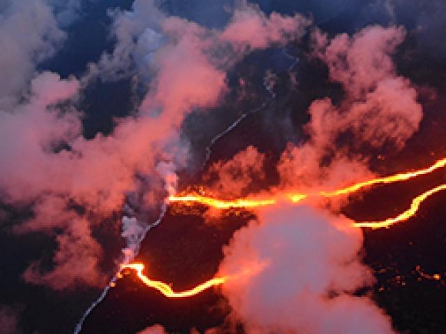 Hawaiideki yanardağ felaketi kuş bakışı görüntülendi
