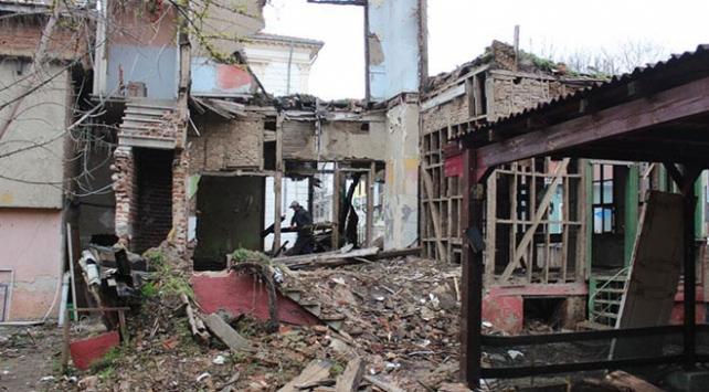 Şehirlerin güvenliği için 60 bin metruk bina yıkılıyor