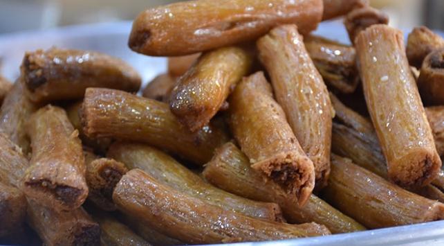 Afyon kaymağıyla yapılan tatlılara Ramazanda yoğun ilgi