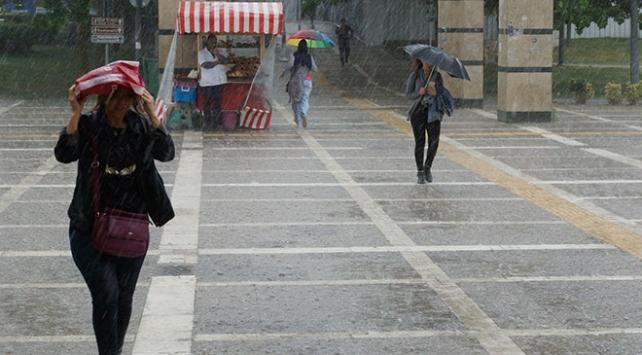 Meteorolojiden Ankaranın 7 ilçesinde kuvvetli sağanak yağış uyarısı