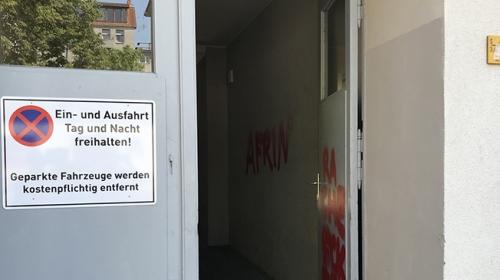 Terör örgütü yandaşları Almanyada camiye saldırdı