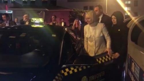 Bakan Kaya direksiyona geçti, taksiyle İstanbul turu attı