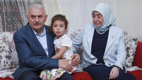 Başbakan Yıldırım, orucunu Ankarada bir ailenin evinde açtı