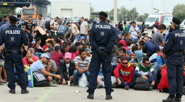 Avusturyada Almanca bilmeyen sığınmacılara yardım kesintisi