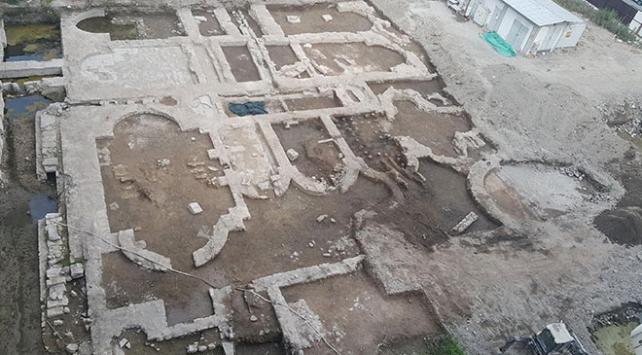 İzmirde inşaat temelinden Roma dönemine ait kalıntılar çıktı