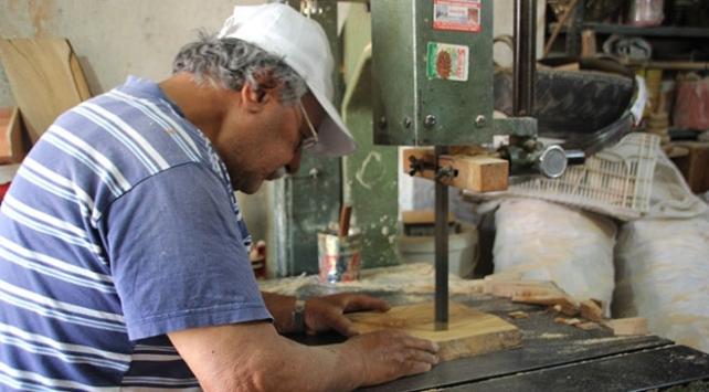 Hatay kömbesi için tahta kalıplar hazırlanıyor