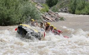 Sansa Deresinde heyecan dolu rafting etkinliği
