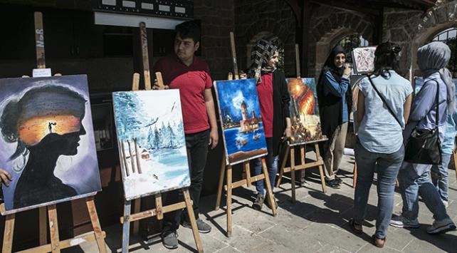 Cemil Meriçin doğduğu evde resim sergisi açıldı