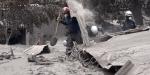 Guatemalada yanardağ felaketi: Küllerin içinde canlı arıyorlar